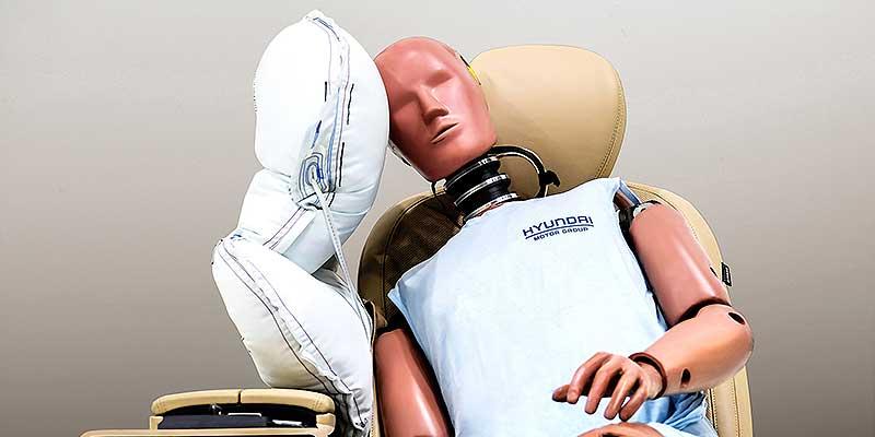 Новая подушка безопасности защищает тело и голову